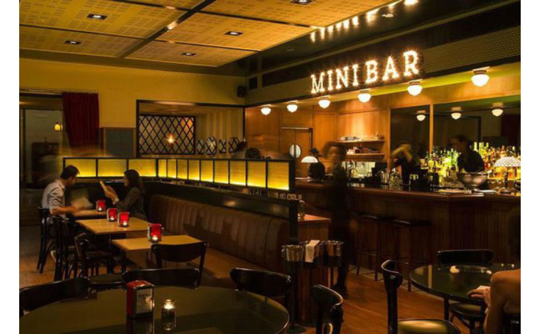 Mini-bar-teatro-lisbonne-bynanaki